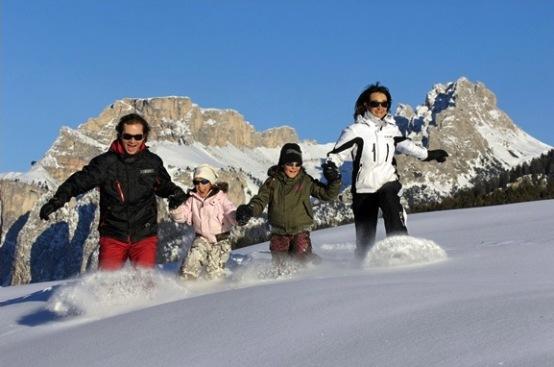 famiglia-sulla-neve