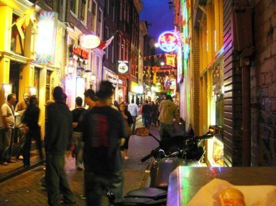 amsterdam+quartiere a luci rosse