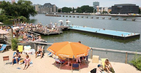 BADESCHIFF: spiaggia urbana