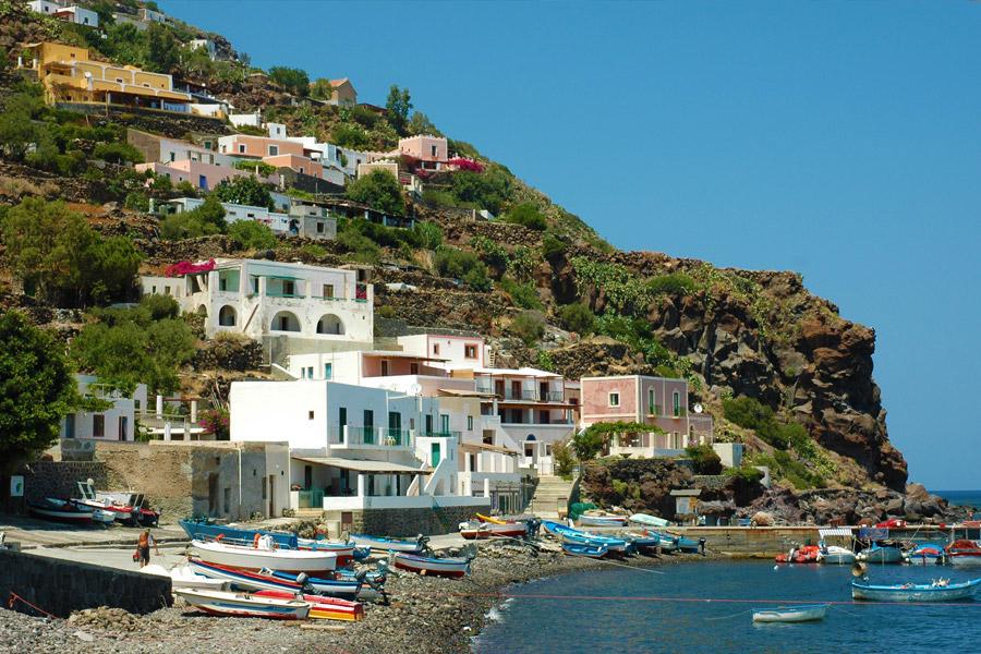 Vacanza al mare alle Eolie: 7 isole in 7 giorni