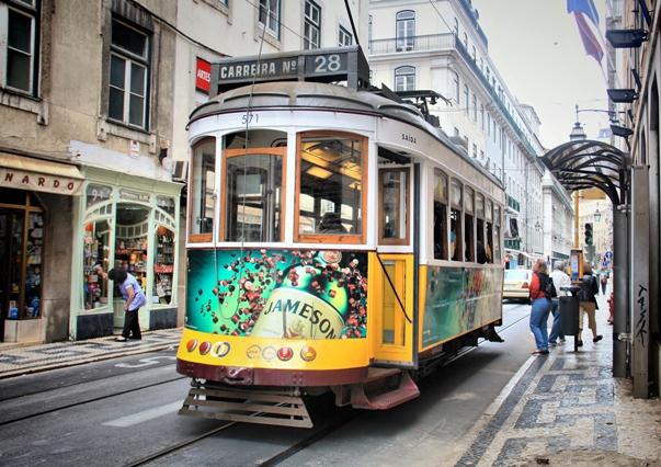 Lisbona: uno sguardo dal tram 28