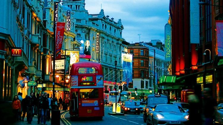 Vacanze Shopping: 10 famosi negozi dove fare acquisti a Londra