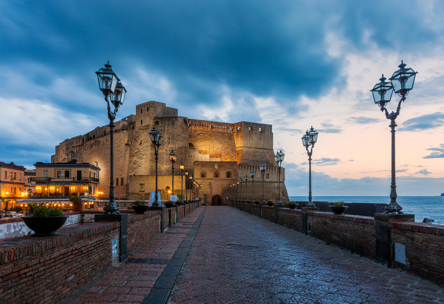 i castelli più belli d'Italia castel dell'ovo Napoli