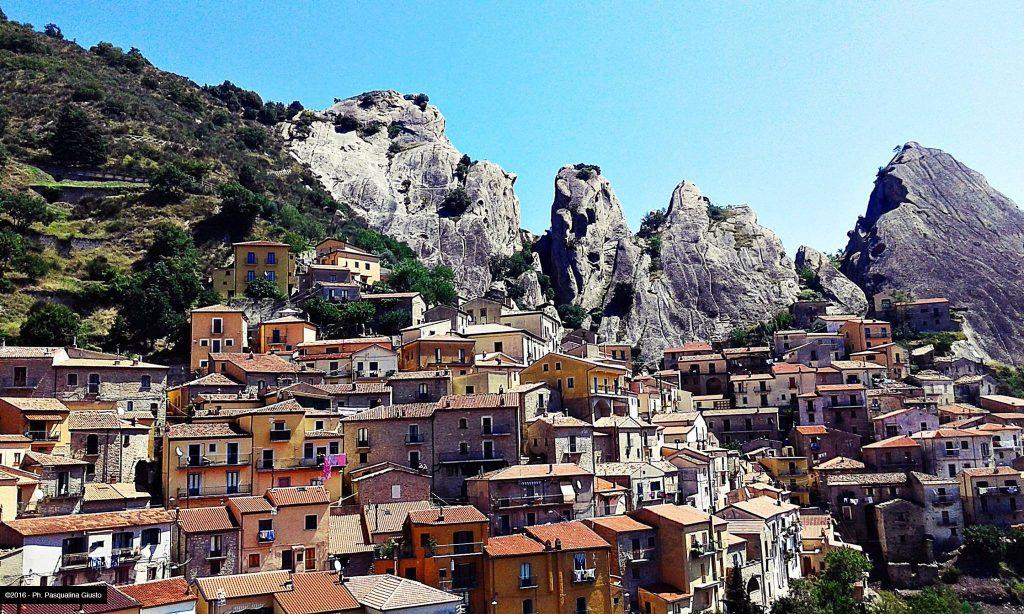 Castelmezzano caratteristico borgo della Lucania
